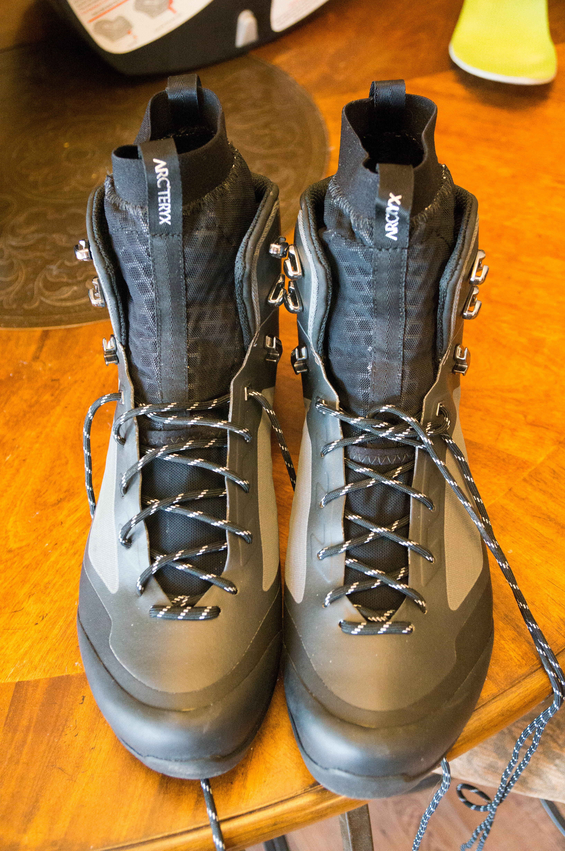 bora2 mid gtx hiking boot